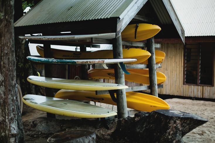 Fiji-Pepe-jeans-rayban-surf-9