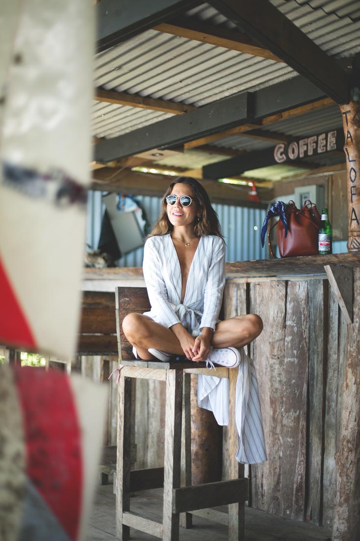 saboskirt-beach-bar-samoa-2