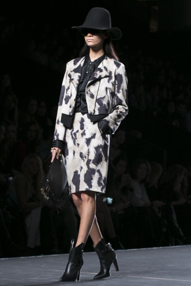 Fashion week Ana Locking armani 18
