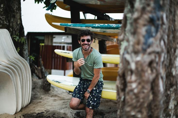 Fiji-Pepe-jeans-rayban-surf-10